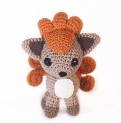 Vulpix Amigurumi by tiny-moon.deviant… on Vulpix Amigurumi by tiny-moon. Kawaii Crochet, Cute Crochet, Crochet Crafts, Crochet Dolls, Crochet Yarn, Yarn Crafts, Pokemon Crochet Pattern, Amigurumi Patterns, Knitting Patterns