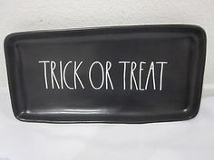 Magenta-By-Rae-Dunn-HALLOWEEN-Black-TRICK-OR-TREAT-Serving-Plate-Tray-Platter