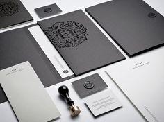 fancyyyy. /monocle  Hörst | Identity Designed
