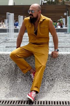 Get Motivation for Your own Style From Pitti Uomo Street Style! Boho Fashion, Mens Fashion, Fashion Outfits, Fashion Fall, Fall Jeans, Sartorialist, Well Dressed Men, Hair And Beard Styles, Pitta
