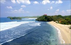 Parangtritis beach located south of the city of Yogyakarta and within ± 25 km. Besides the beach deacon, baron, Krakal alluvium, and Glagah, Parangtritis beach is quite famous for its big waves and high dunes around the coast.