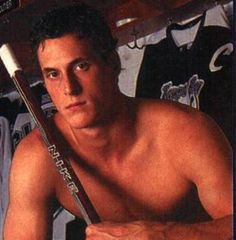 Vincent Lecavalier, now of the exceedingly orange Philadelphia Flyers.