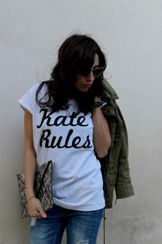 T-shirt KATE RULES https://www.etsy.com/it/shop/NGthegang