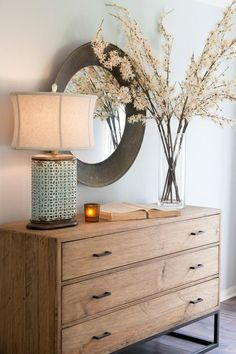 STYLEeGRACE ❤'s this entry area décor!