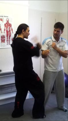 Hammer punch training Wing Chen croydon sports injury clinic http://www.croydonsportsinjuryclinic.co.uk