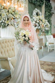 Muslimah Wedding Dress, Wedding Dressses, Muslim Wedding Dresses, Hijab Bride, Wedding Hijab, Muslim Dress, Wedding Party Dresses, Wedding Reception, Bridesmaid Dresses
