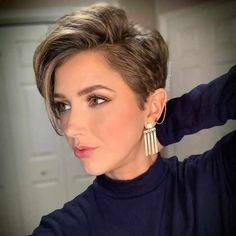 Beautiful Pixie And Bob Short Hairstyles 2019 – dark hair styles Short Hairstyles For Thick Hair, Short Pixie Haircuts, Short Hair Cuts, Curly Hair Styles, Cut Hairstyles, Hairstyles Pictures, Trendy Hairstyles, Short Hair Pixie Edgy, Short Haircuts For Round Faces