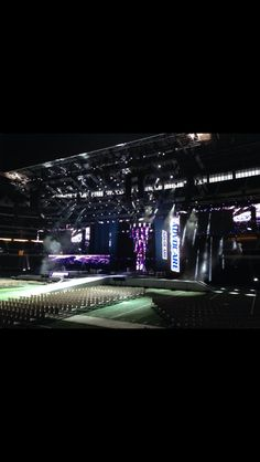 The stage is set at Cowboys Stadium in Texas!!