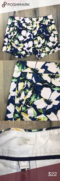 "J Crew Navy Printed Chino Shorts 5"" Inseam size 0 J Crew 5"" Shorts  Size 0  Adorable Navy floral print   PRODUCT DETAILS  Cotton with a hint of stretch.  Sits just above hip.  5"" inseam.  Side zip.  Off-seam pockets, back welt pockets.  Machine wash.  Import.  Item 37571. J. Crew Factory Shorts"