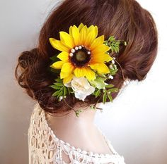 sunflower hair wedding headpieces, sunflower hair accessories by The Honeycomb. Many styles available: thehoneycomb.etsy.com