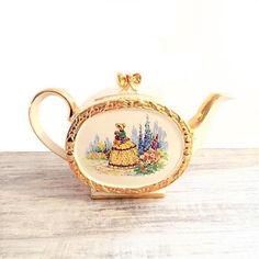 Vintage Sadler Teapot Barrel Shape with Gold Chintz #Teapot #Sadler #Barrel #1737 #CrinolineLady