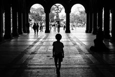 https://flic.kr/p/LwTuRo | Child in the shadows near Bethesda Fountain NYC…