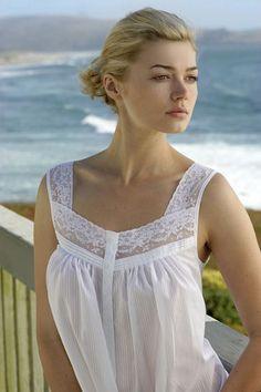 Eileen West Gowns: Classic Sleepwear