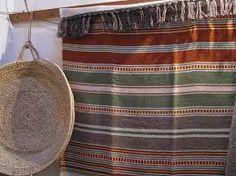 mantas alentejanas - Pesquisa Google Cork Fabric, Fabric Rug, Handicraft, Rugs On Carpet, Portugal, Weaving, Basket, Textiles, Crafty