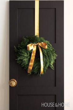 :: Havens South Designs :: likes understated holiday decor. A simple cedar wreath has impact with a luxe bow. Merry Christmas, Gold Christmas, Simple Christmas, All Things Christmas, Winter Christmas, Christmas Crafts, Door Bows Christmas, Christmas Swags, Burlap Christmas