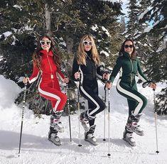 Pamallier Snow Fashion, Winter Fashion, Apres Ski Outfits, Glamour, Ski Bunnies, Snow Outfit, Ski Wear, Winter Pictures, Yoga Routine