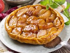 Jean-Christophe Novelli shares one of his favourite recipes - a luxurious caramel apple tarte tatin. Apple Desserts, Apple Recipes, Delicious Desserts, Greek Recipes, Raw Food Recipes, Dessert Recipes, Caramel Apples, Dishes, Ethnic Recipes