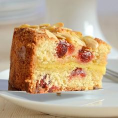 Alternative to traditional Christmas cake or Stollen for people who dislike fruit cake. Marzipan and Cherry Cake Recipe - Delicious almond sponge with cherries and a layer of gooey marzipan in the centre. Cherry And Almond Cake, Cherry Cake Recipe, Almond Cakes, Marzipan Recipe, Marzipan Cake, Cupcakes, Cupcake Cakes, Raspberry Coffee Cakes, Raspberry Cake