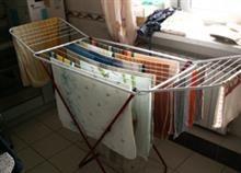 Πώς να στεγνώσει η μπουγάδα γρηγορότερα Best Pillow, Glasgow, Home Remedies, Pillow Covers, Laundry, Indoor, Canning, Storage, Outdoor Decor