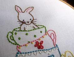 Conejito y su tazas de té mano bordado PDF patrón por Bumpkin