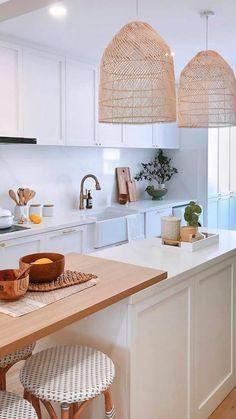 Huge Kitchen, Boho Kitchen, Home Decor Kitchen, Interior Design Kitchen, Tropical Kitchen, Home Design, Bright Kitchens, Coastal Kitchens, Scandinavian Kitchen