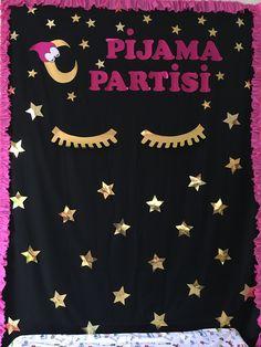 Okul parti Preschool Decor, Preschool Activities, School Teacher, Pre School, Pajama Day, Crazy Hats, Cat Party, Decor Crafts, Birthday Cards