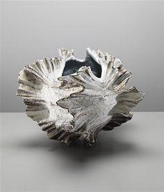 a - Koike Shoko / monumental shell vessel, 1997 Pottery Sculpture, Sculpture Clay, Abstract Sculpture, Porcelain Ceramics, Ceramic Pottery, Ceramic Art, Japanese Ceramics, Japanese Pottery, Vases
