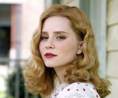 alison lohman. If I could look like anyone in the world it would be like her!