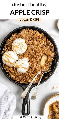 This fresh apple crisp is the perfect addition to your thanksgiving table. It's vegan, gluten free, made with honeycrisp apples and a simple cinnamon oat crumble topping. This apple crisp is perfect with vanilla ice cream on top and is secretly healthy! #applecrisp