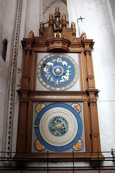 Astronomische Uhr Marienkirche Lübeck - Астрономические часы - Википедия