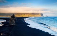 Живописный пляж Рейнисфьяра (Reynisfjara) – #Исландия (#IS) Атлантический пляж Рейнисфьяра - одним из самых красивейших пляжей на Земле. http://ru.esosedi.org/IS/places/1000111255/zhivopisnyiy_plyazh_reynisfyara_reynisfjara_/