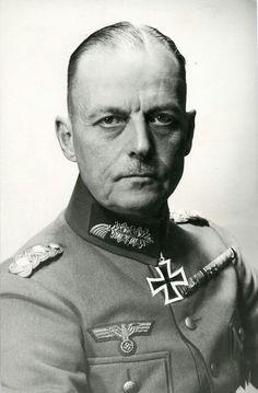 Generalfeldmarschall  Karl Rudolf Gerd von Rundstedt (12 December 1875 - 24 February 1953), Heeresgruppe Süd, Heeresgruppe A, Oberbefehlshaber des Westen. RK 30 September 1939, 519th Oak Leaves 01 July 1944, 133rd Swords 18 February  1945.