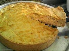 Aprenda a preparar a receita de Torta de frango com massa podre