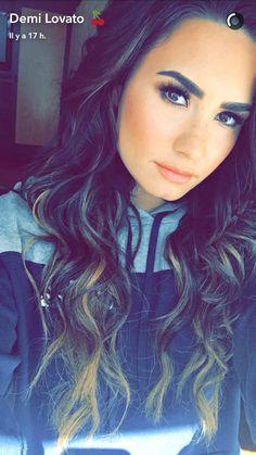 Demi Lovato datation histoire Zimbio site de rencontres Romance