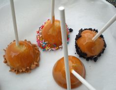 Mini caramel apples! For those of you who hate trying to eat a whole caramel apple (yeah, I stopped trying years ago).