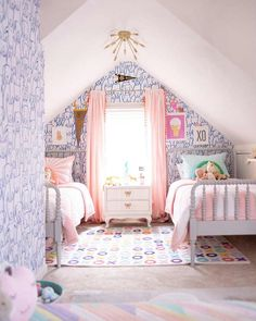 10 Inspiring Shared Room Layouts for Girls & the Perfect Bedding for ALL of Them - Shades of Blue Interiors Design Room, Design Design, Shared Rooms, Shared Girls Rooms, Kids Rooms, Boy Rooms, Little Girl Rooms, Bed For Girls Room, Interiores Design
