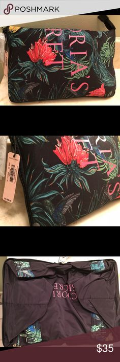 """Victoria's Secret Tropical Print Bag Very cute and roomy bag for beach/summer and weekend trips!! Light weight with quilt like straps.  Approximately 12"""" tall, 13.5"""" long, 10"""" wide  Easy fold up for saving storage space. Victoria's Secret Bags Totes"""