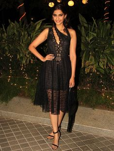 Sonam Kapoor at Farah Khan's birthday bash