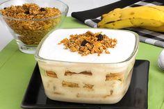 A sobremesa merece um prato especial, não é? Clique e aprenda a fazer este pavê de banana com granola! Faça hoje mesmo na sua casa!