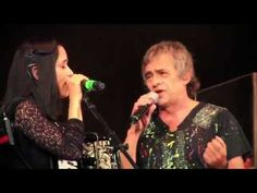 Los autenticos decadentes ft. Julieta Venegas - No me importa el dinero (video oficial) 1080 HD - YouTube