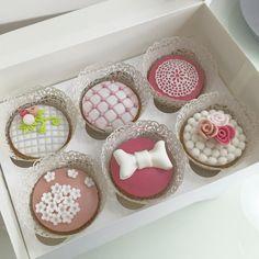 Cupcakes romantici  #ilas #ilasSweetness #instafood #cupcakes #wedding #pastadizucchero  http://ilas.webnode.it/ https://www.facebook.com/ilascake