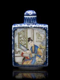 Enameled Porcelain Snuff Bottle