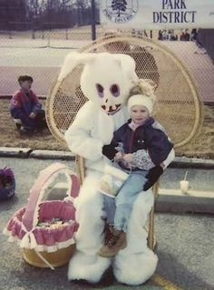 The Easter Bunny, pre-orthodontia. The child is calm the bunny, demented. Easter Bunny Costume, Here Comes Peter Cottontail, Creepy Photos, Easter Story, Very Scary, Funny Bunnies, Vintage Easter, Collage, Vintage Pictures