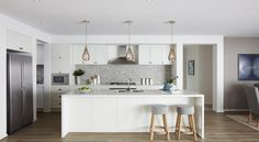 View 'Kitchen' Home Builders Photo by Boutique Homes Melbourne VIC. Galley Kitchen Design, Modern Kitchen Design, Boutique Homes, A Boutique, Boutique Interior, Küchen Design, House Design, Interior Design, Kitchen Butlers Pantry
