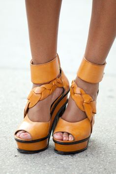 Orange Delicious via http://www.refinery29.com/ny-fashion-week-street-style/slideshow#slide-3