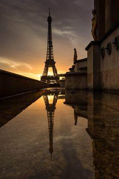 Paris est une Fête! — Tour Eiffel reflection by© Amandio Antunes...