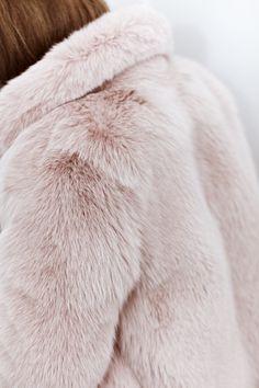 Blush fur