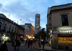 Colpatria, Bogotá… desde la 7ª; 47 plantas y 196 metros (Torres KIO: 114m; Torre Picasso: 157m; Torre Espacio: 230m)