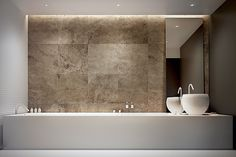 Thin outer shell of bathtub