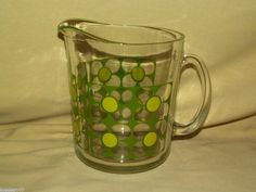 RETRO CLEAR GLASS GREEN YELLOW DAISY DAISIES PITCHER BEVERAGE LEMONADE VINTAGE